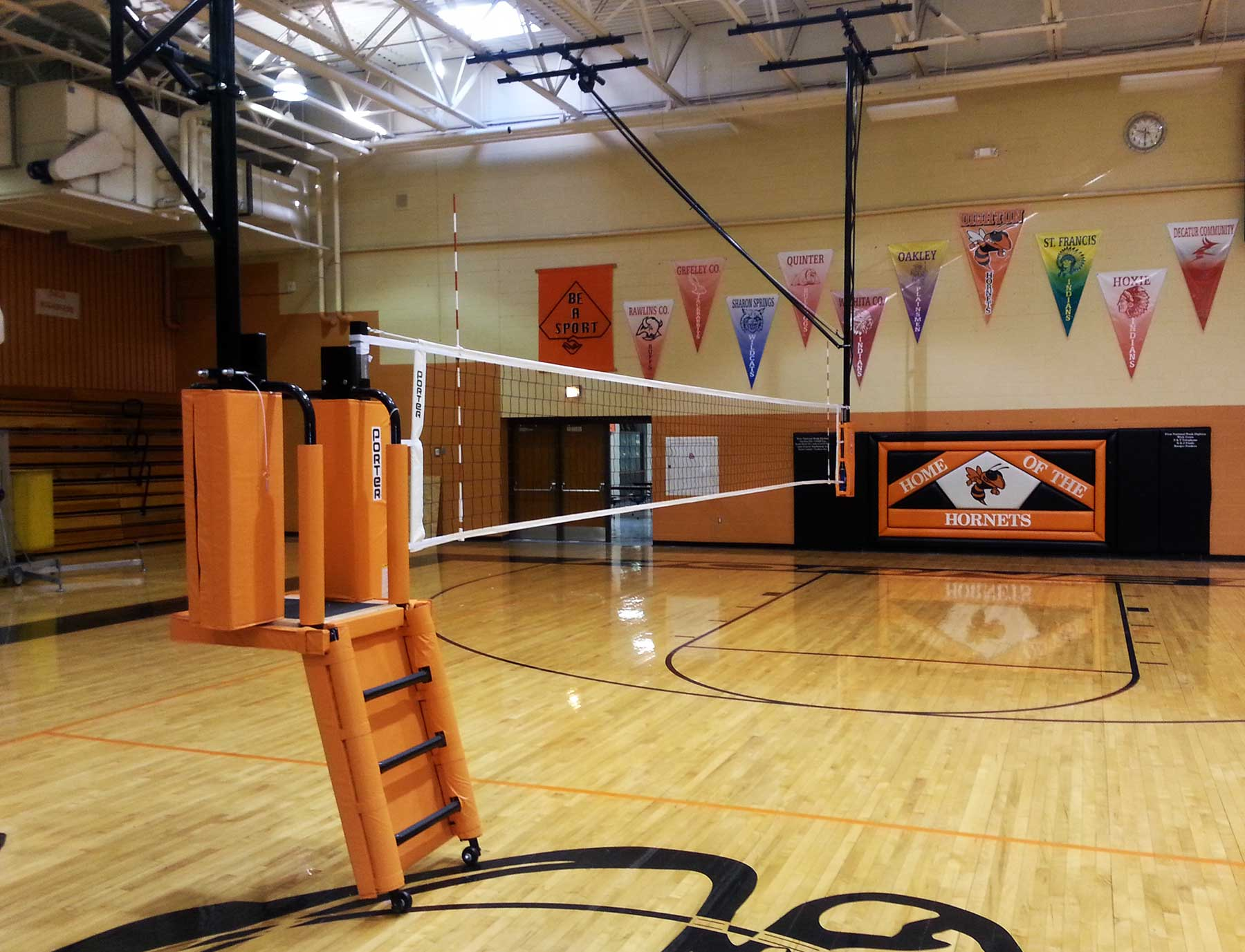 overhead-volleybal-gym-equipment
